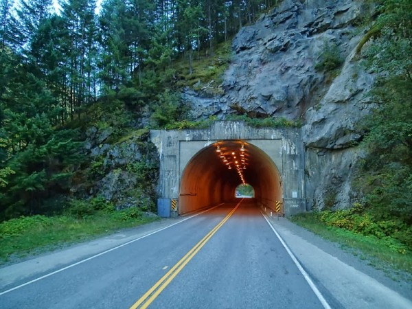 Tunnel Fraser Canyon Hwy 1