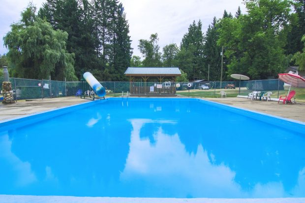 The pool at the Whispering Pines RV & Tents in Mara.