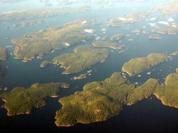 Broughton Archipelago via Dru at Flickr