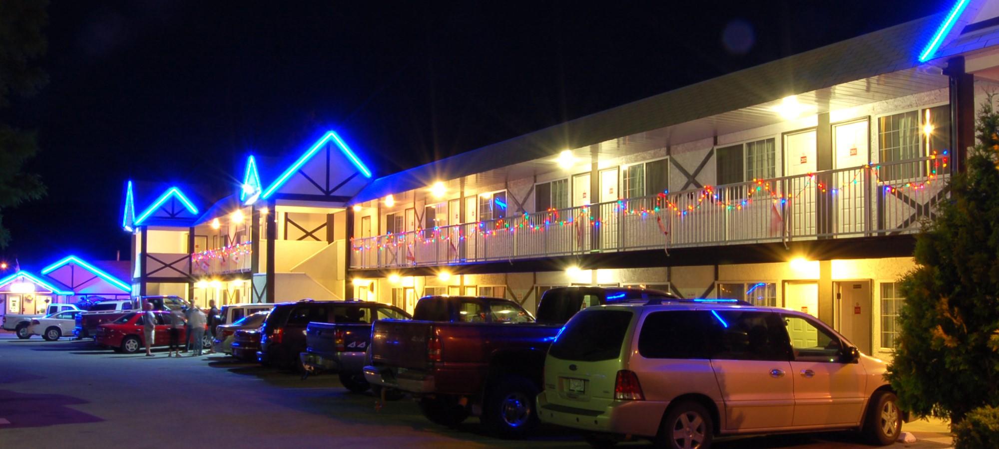 Hotels & Motels