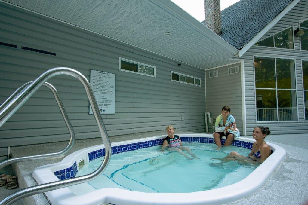 Rondalyn Resort Hot Tub