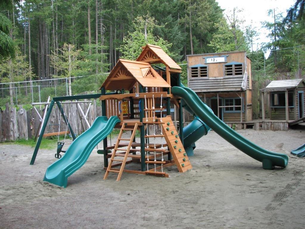 Rondalyn Resort Playground, Nanaimo